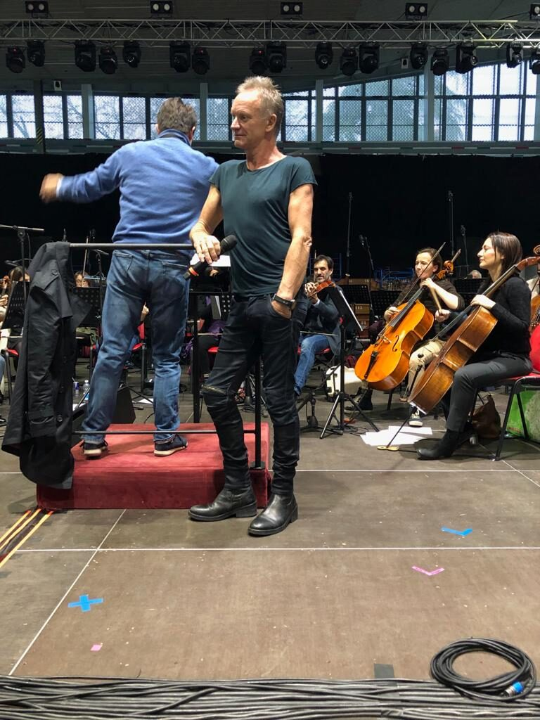 Sting Backstage Griminelli and friend
